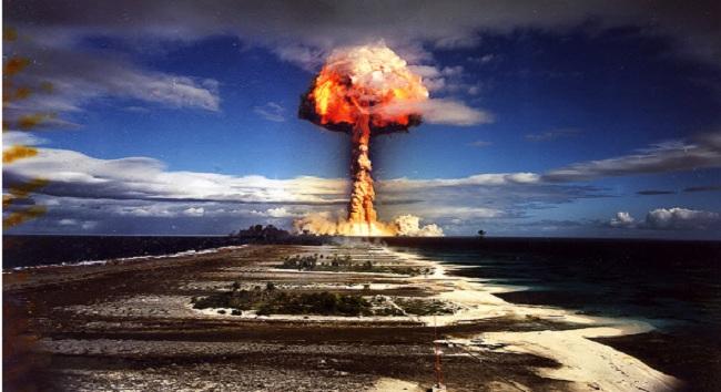71 χρόνια από την πρώτη ατομική βόμβα στη Χιροσίμα  απο τους δημοκράτες! που κατέστρεψαν ολόκληρες χώρες!  και συνεχίζουν να το κανουν! δημοκρατικά πάντα!