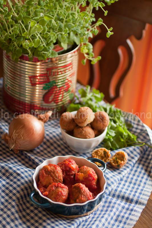 polpette di san giuseppe e la tradizionale tavola di san giuseppe di riccia per l'italia nel piatto
