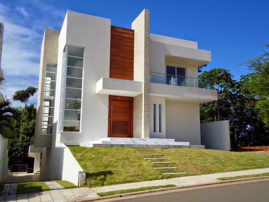 Fachadas de casas com escadas na frente veja entradas for Fachadas para apartamentos pequenos