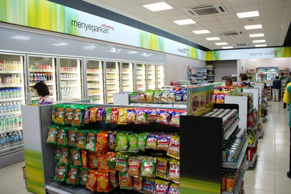 Customer friendly layout of Petronas Sri Hartamas c-store interior