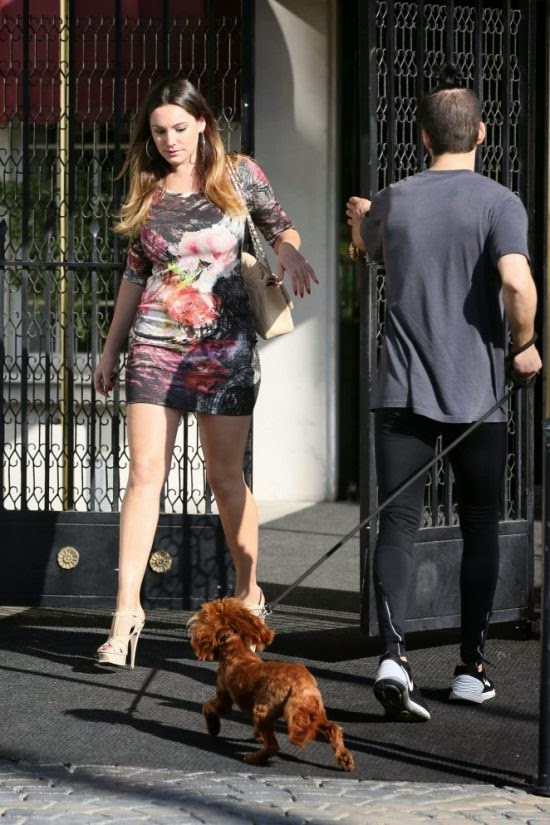 Ooops! Looks like the wonderful things about summer has to be in our top ten. Cause Kelly Brook gave us a friendly reminder of what a pleasant sight while out and about at Los Angeles, CA, USA on Wednesday, November 12, 2014.