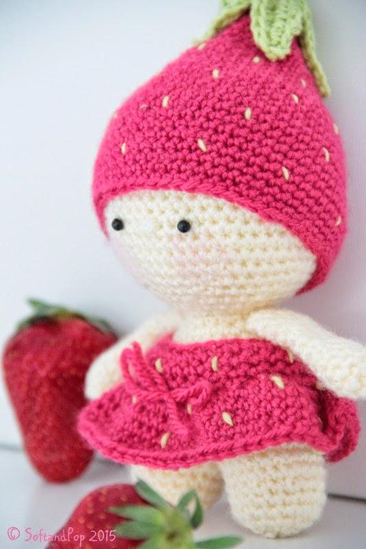 petite poupée fraise au crochet