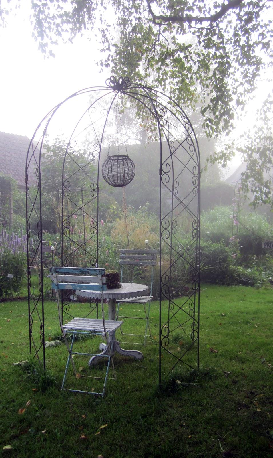 I vått och torrt trädgårdsdesign: september 2012
