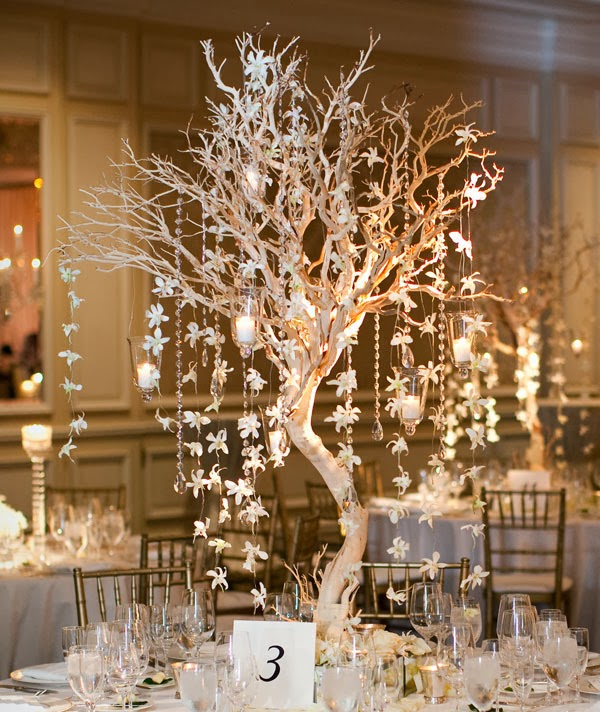 Memorable wedding romantic and magical winter vintage for Winter themed wedding centerpieces