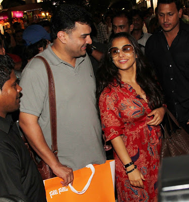 Shahrukh, Vidya, Abhishek, Shahid Kapoor & others arrive from IIFA Awards 2013
