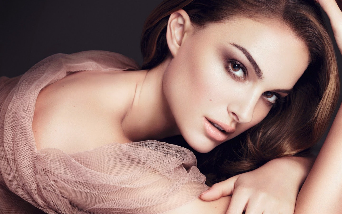 NATALIE PORTMAN_WALLSTOWN_IN_HOLLYWOOD ACTRESS_HOLLYWOOD CELEBRITIES