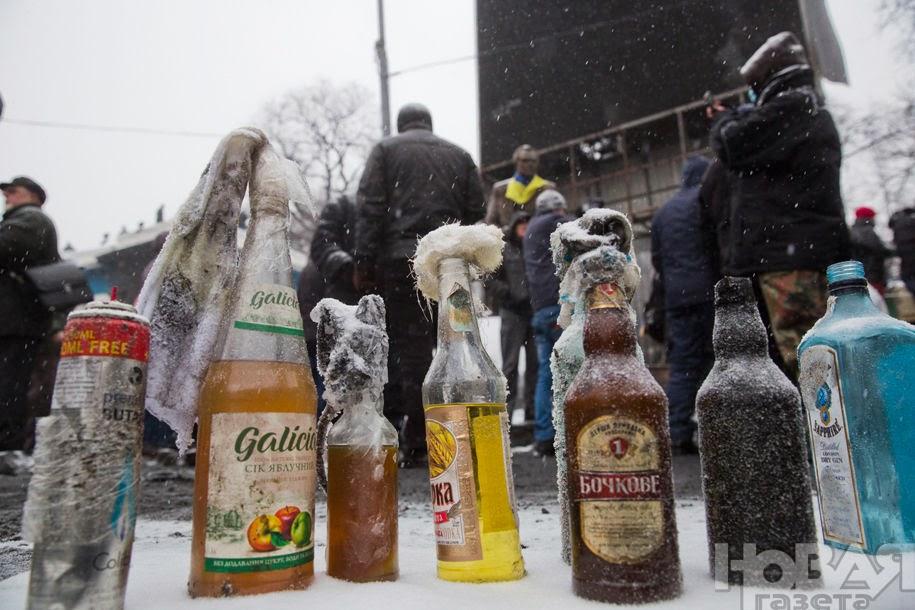 бутылки с «коктейлями Молотова»
