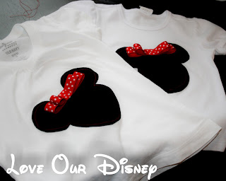 Cute Minnie Mouse shirts with a 3D attached bow that are machine washable. Perfect for a Disney vacation. LoveOurDisney.com