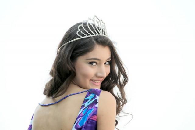 Isi Topciu,Miss Albania 2010, Miss World,
