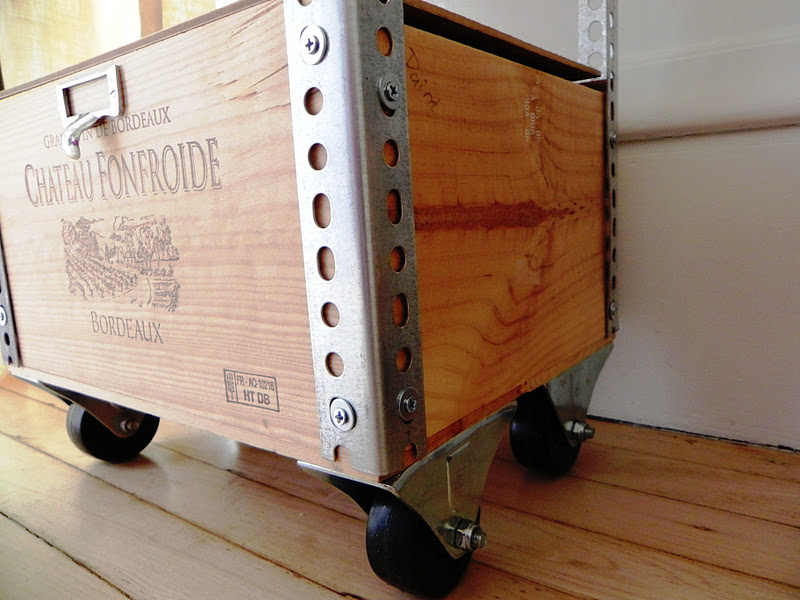 Wine Crate Bookshelves Part - 30: Casa Di Aria: DIY 1-2-3: How To Create An Affordable, Industrial Wine Crate  Shelf