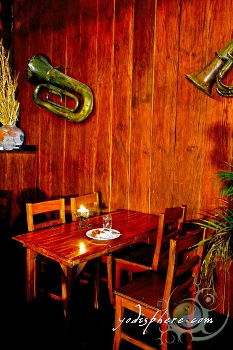 hover_share Food served for the dead inside Casa de Don Emilio restaurant