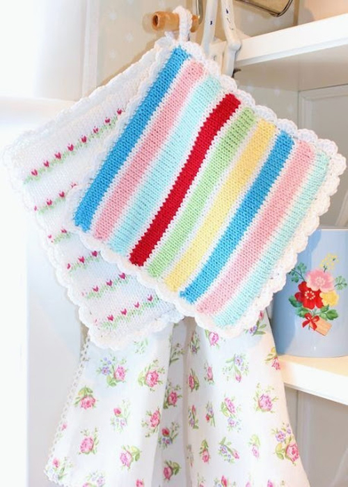 knitted+pot+holders Spring pastel Colours | Crochet and Shabby Chic Home Accessories from Lisbeth Sin Lille Verden