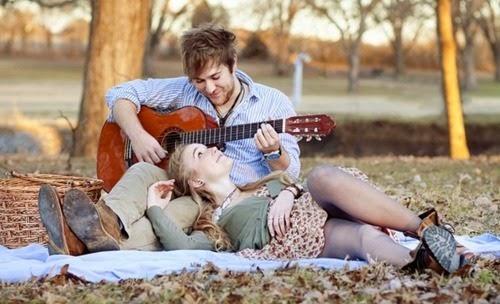 Tum Bin Romantic Shayari