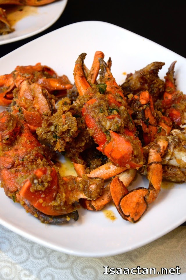 Wok Fried Meat Crab with Salted Egg