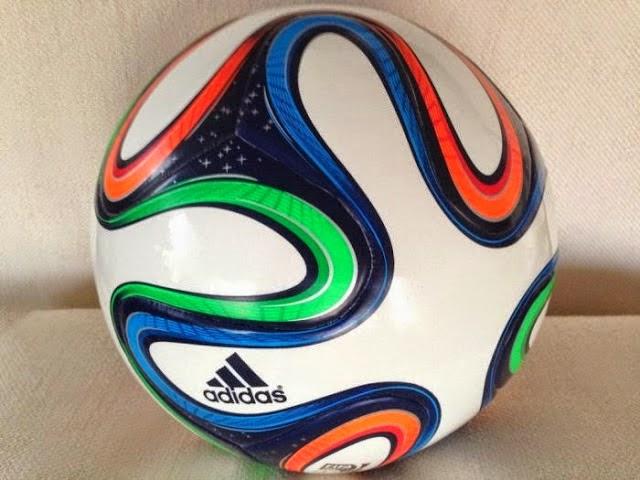 Bola Resmi Piala Dunia 2014 Brasil