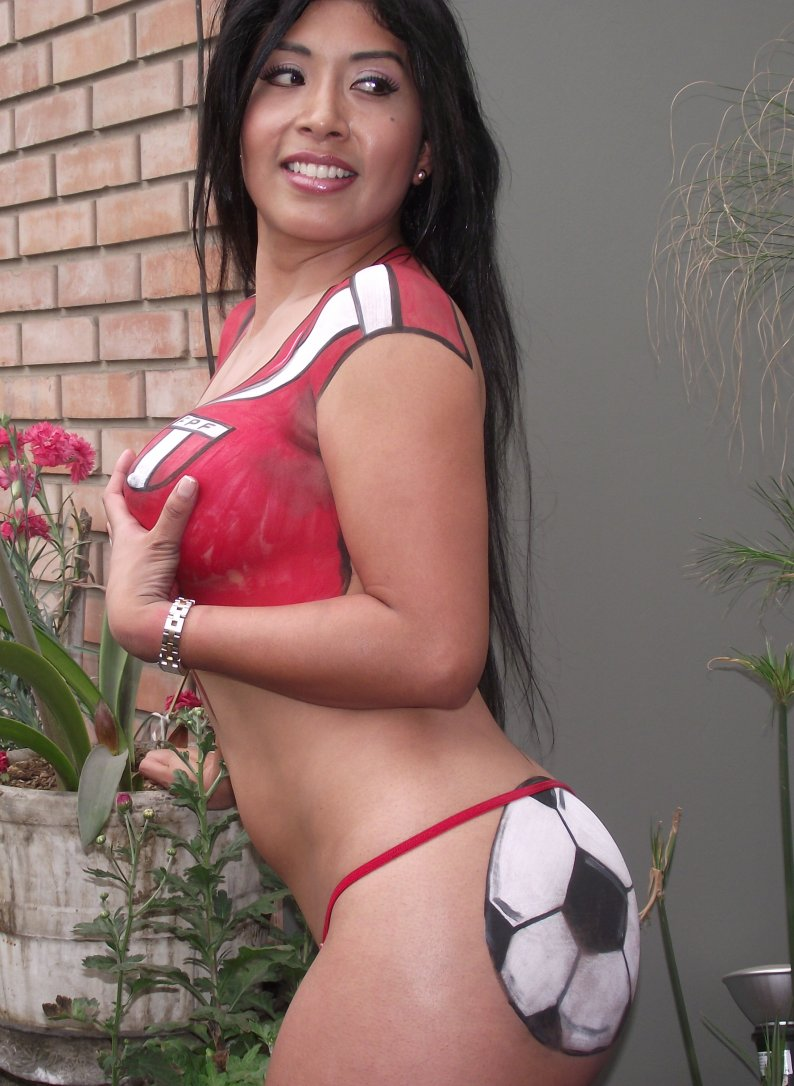 http://1.bp.blogspot.com/-onuCS6d8l3I/TsBzvTMMzXI/AAAAAAAANQ4/26P2jIwzQR8/s1600/Irina+Grandez+-Lima+vedettes+%25284%2529.jpg
