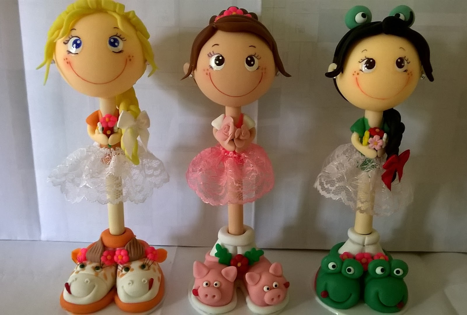 Excepcional CANETAS DECORADAS COM BISCUIT PERSONAGENS | ANDREZA GOUVEIA IP41