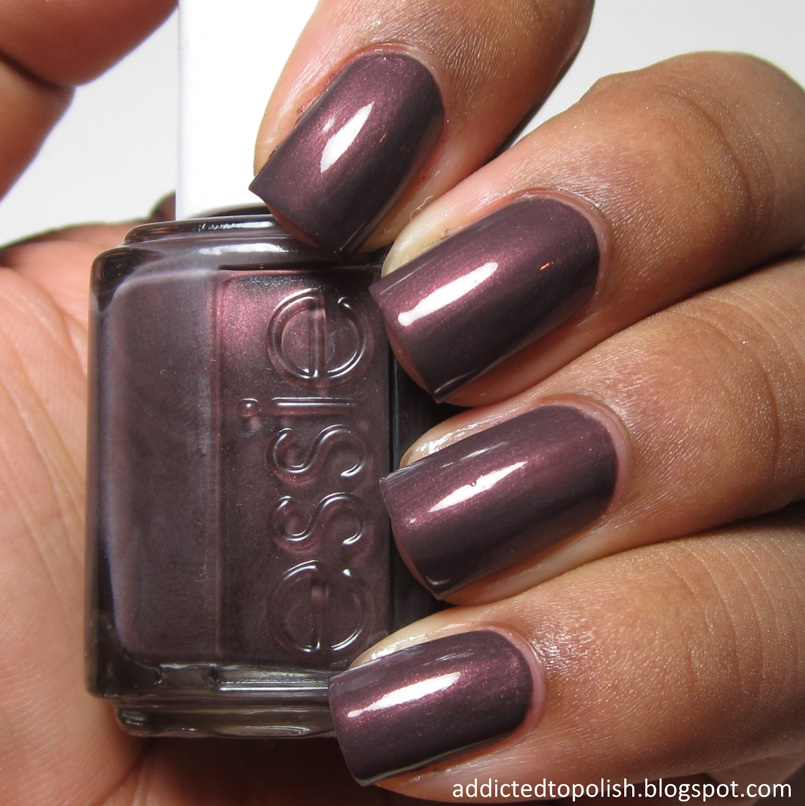 Addicted to Polish: Essie Sable Collar