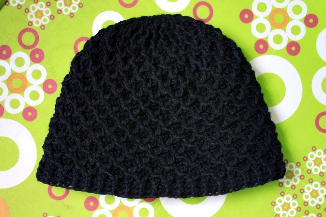 black Diamond ridges crochet beanie