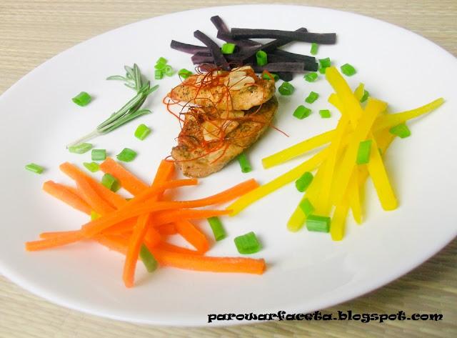 kurczak na parze z marchewką z parowaru