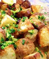 Batata Assada com Alho, Limão e Salsa (vegana)