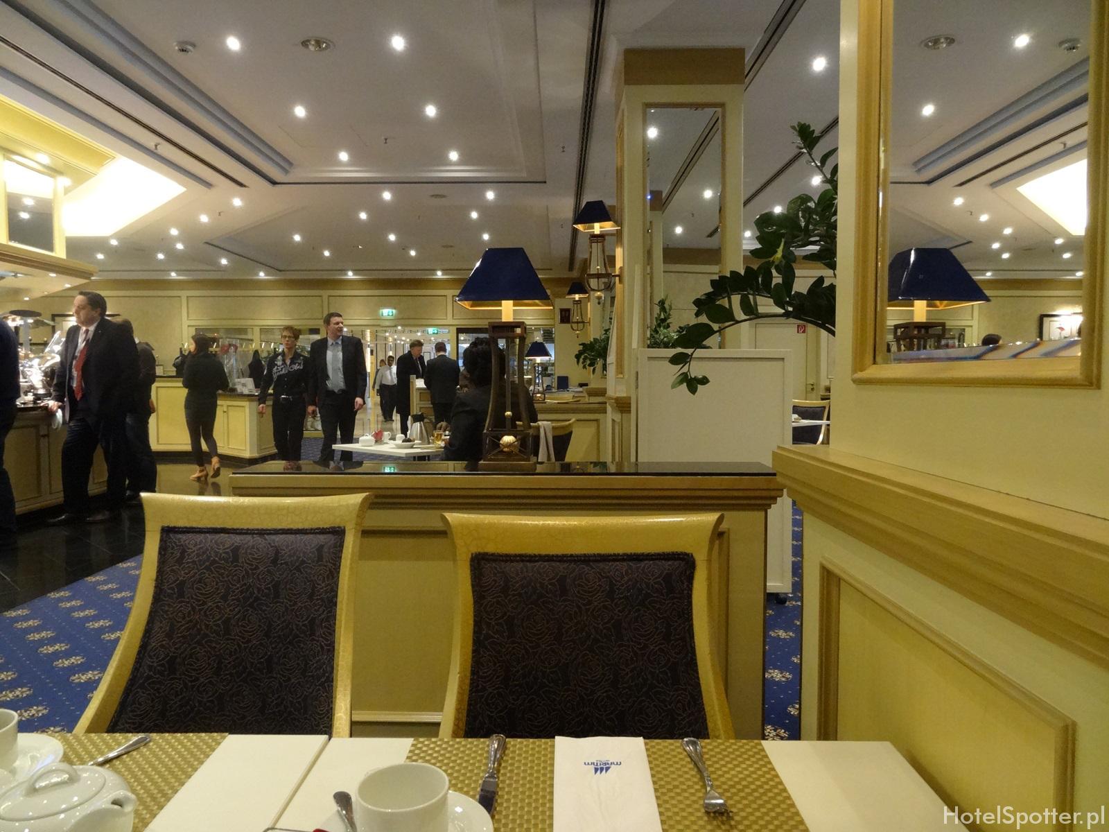 Maritim Hotel Berlin - sniadanie w restauracji breakfast