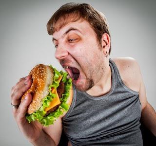 Hombre comiendo propio video cum