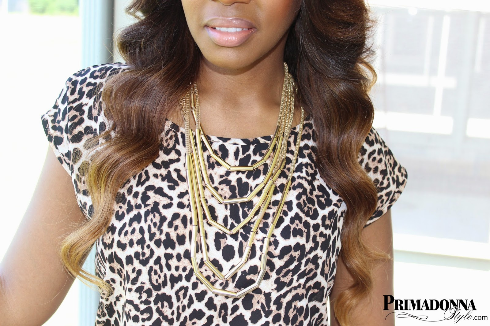 how to wear what to wear with leopard animal print top shirt layered gold statement necklace ombre brazillian hair