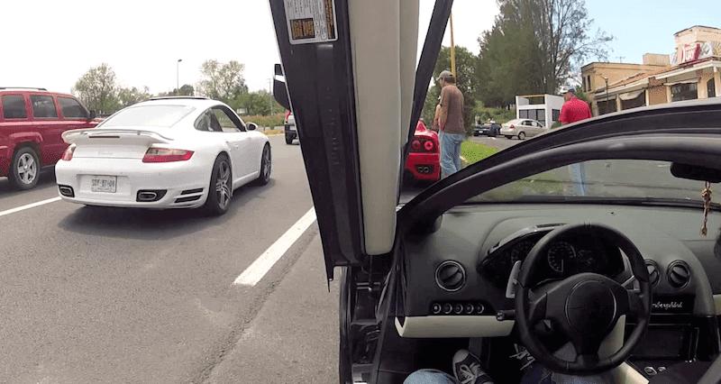 ランボルギーニにカメラを取り付けてスーパーカーツーリングを撮影