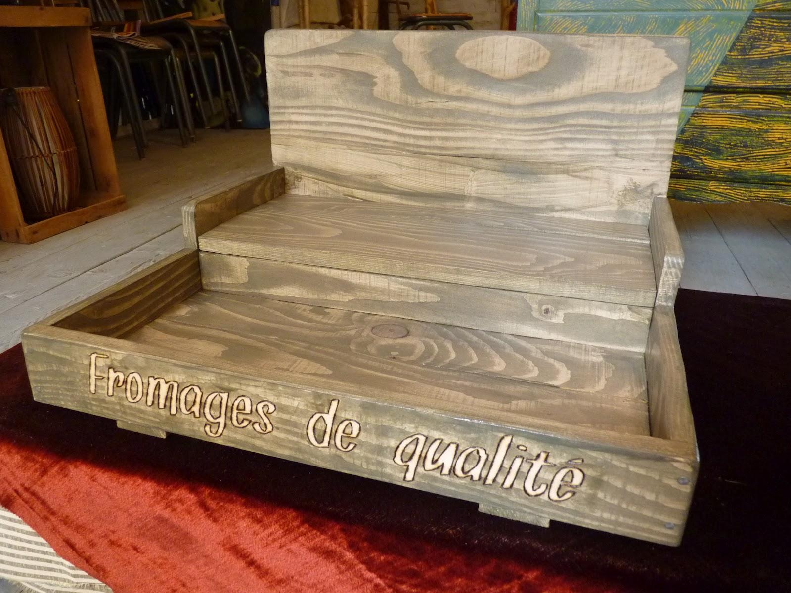 le re acteur petit pr sentoir bois little stand wood. Black Bedroom Furniture Sets. Home Design Ideas