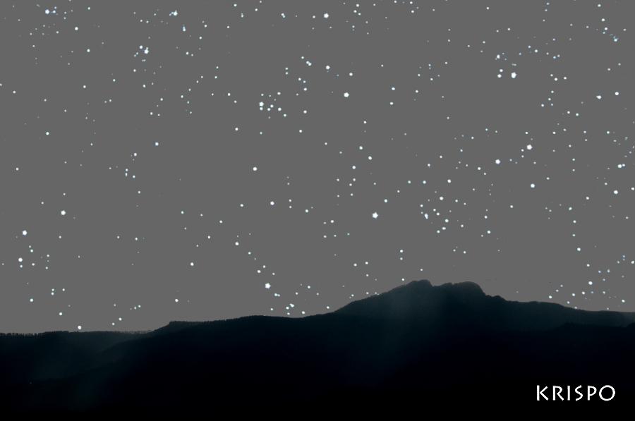 peñas de aya de noche desde hondarribia