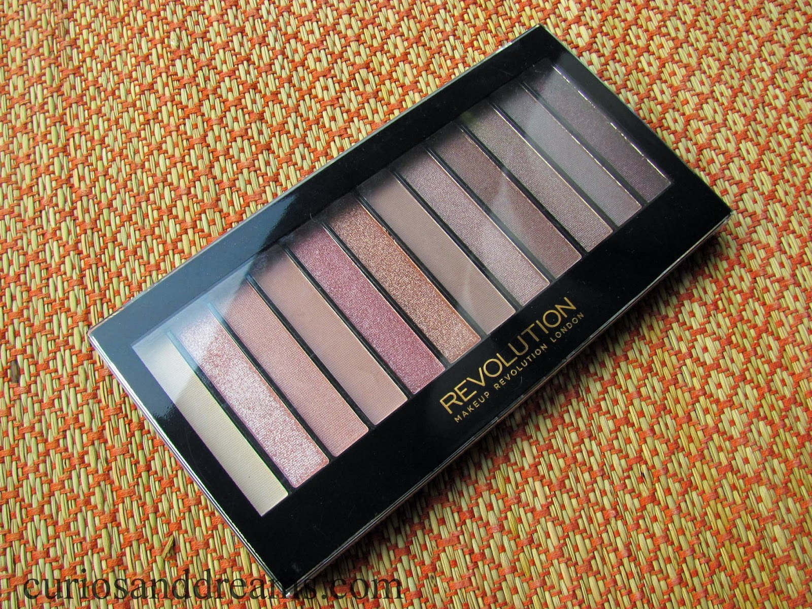 Makeup Revolution Iconic 3 palette review, Makeup Revolution Iconic 3 Redemption Eyeshadow Palette review
