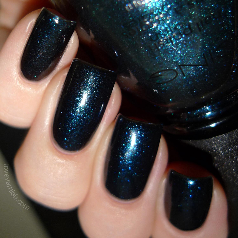 Icing black blue shimmer
