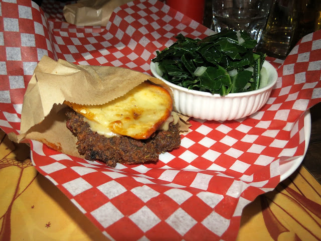 Diablos BBQ - Burger Week Montreal - Cheesus Burger