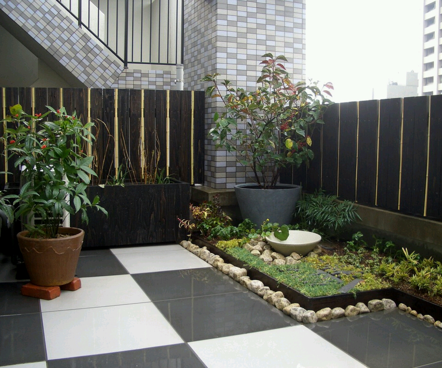 Ultra modern garden design inspiration interior designs for Modern house with garden