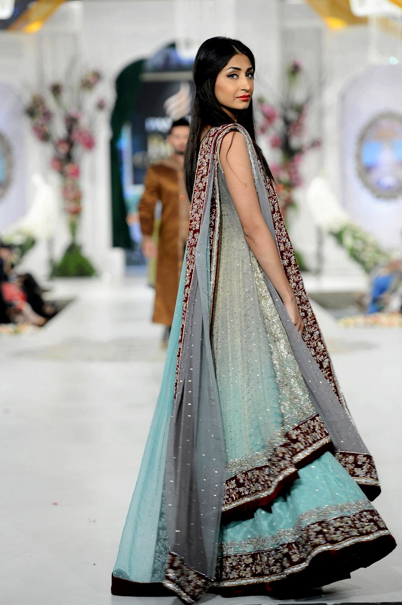 Dresses for weddings pakistani