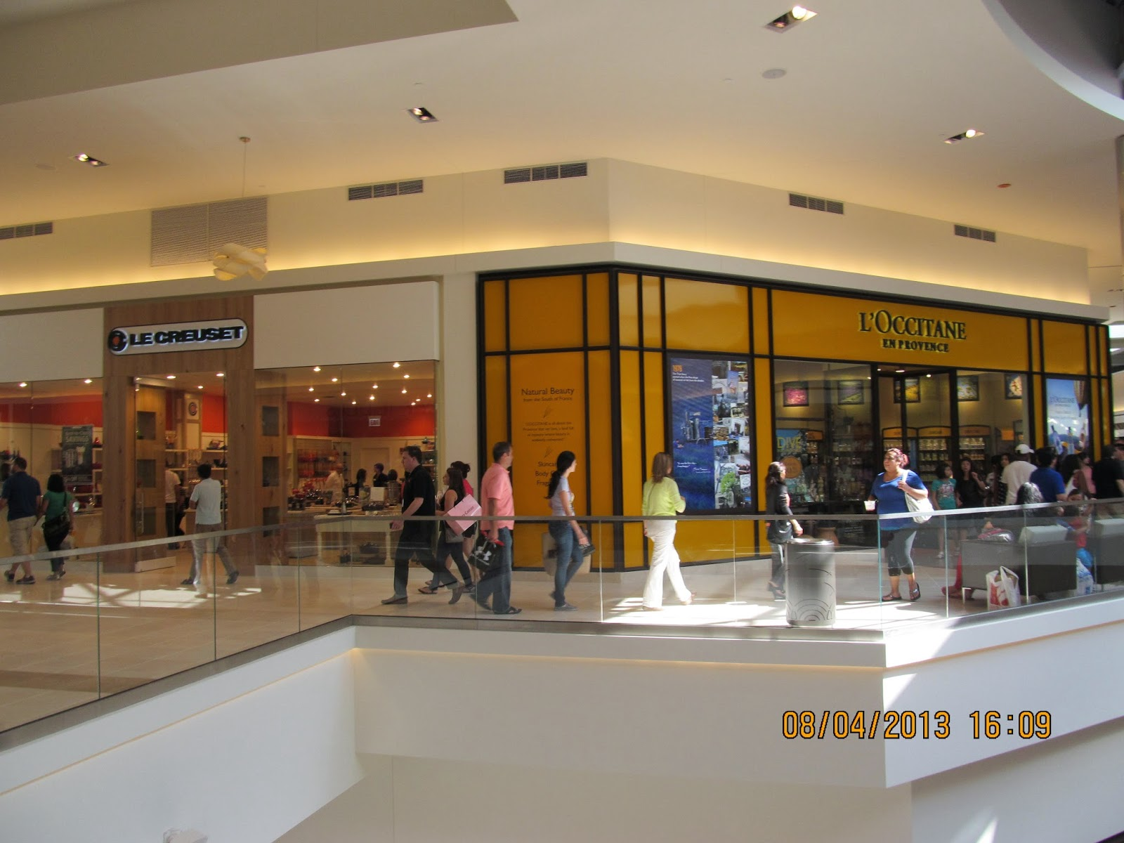 Rosemont Hilton Hotel near O Hare ORD - Find Hotel Rooms Fashion outlet of rosemont il
