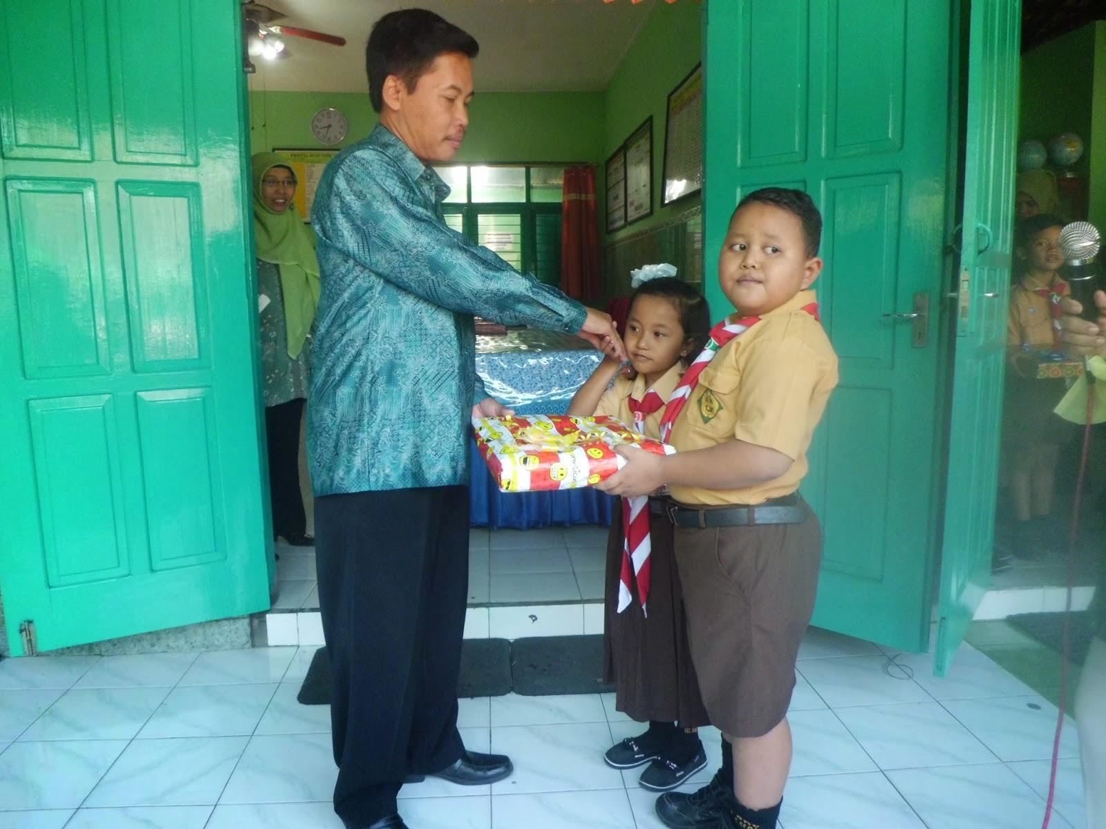 Tradisi Pindah Tugas Kepala Sekolah Dan Guru