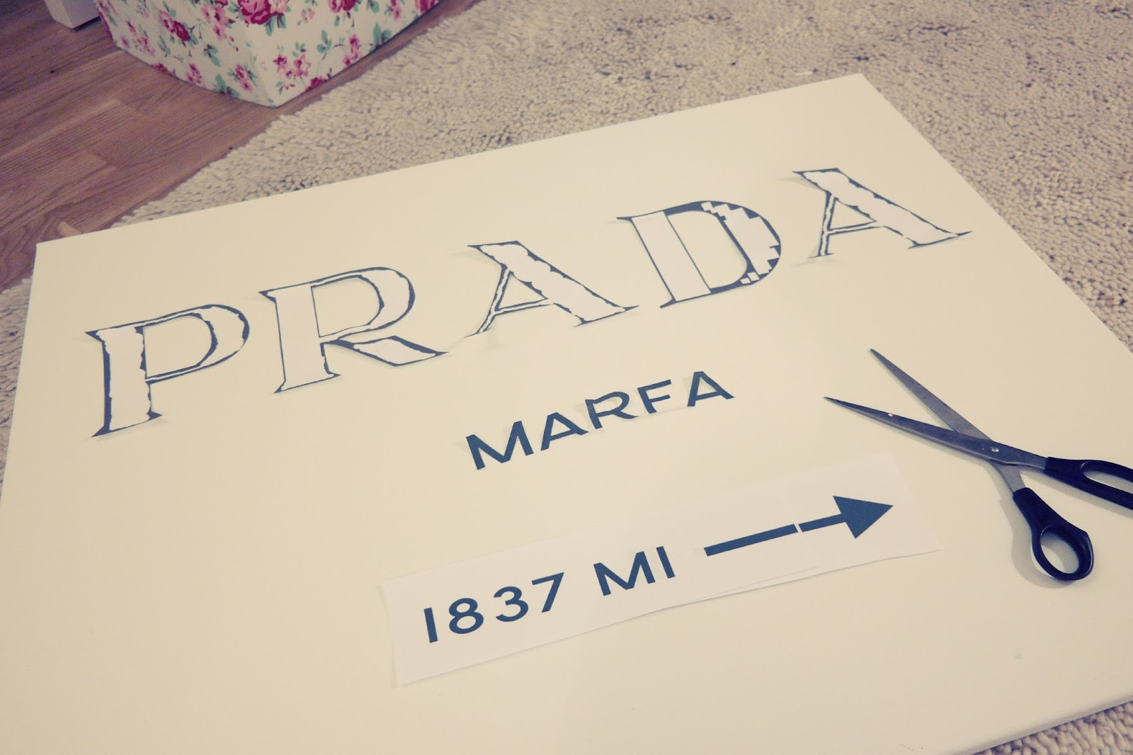 diy prada marfa bild by gossip girl selber machen tutorial neuer blog. Black Bedroom Furniture Sets. Home Design Ideas
