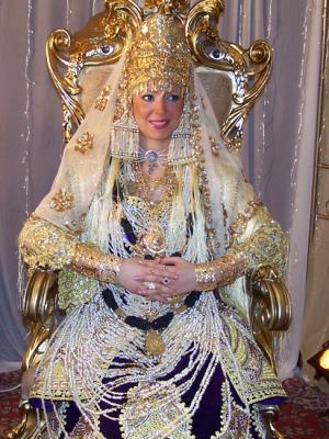 La chedda de Tlemcen est ma tenue traditionnel la plus chère et riche des  tenues traditionnel algérienne a cause de sa complexité de son  sur,chargement de