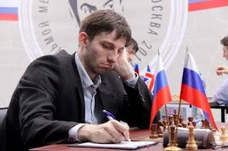Echecs à Moscou :le grand-maître Alexander Grischuk a des soucis à se faire face à son compatriote Vladimir Kramnik - Photo © ChessBase