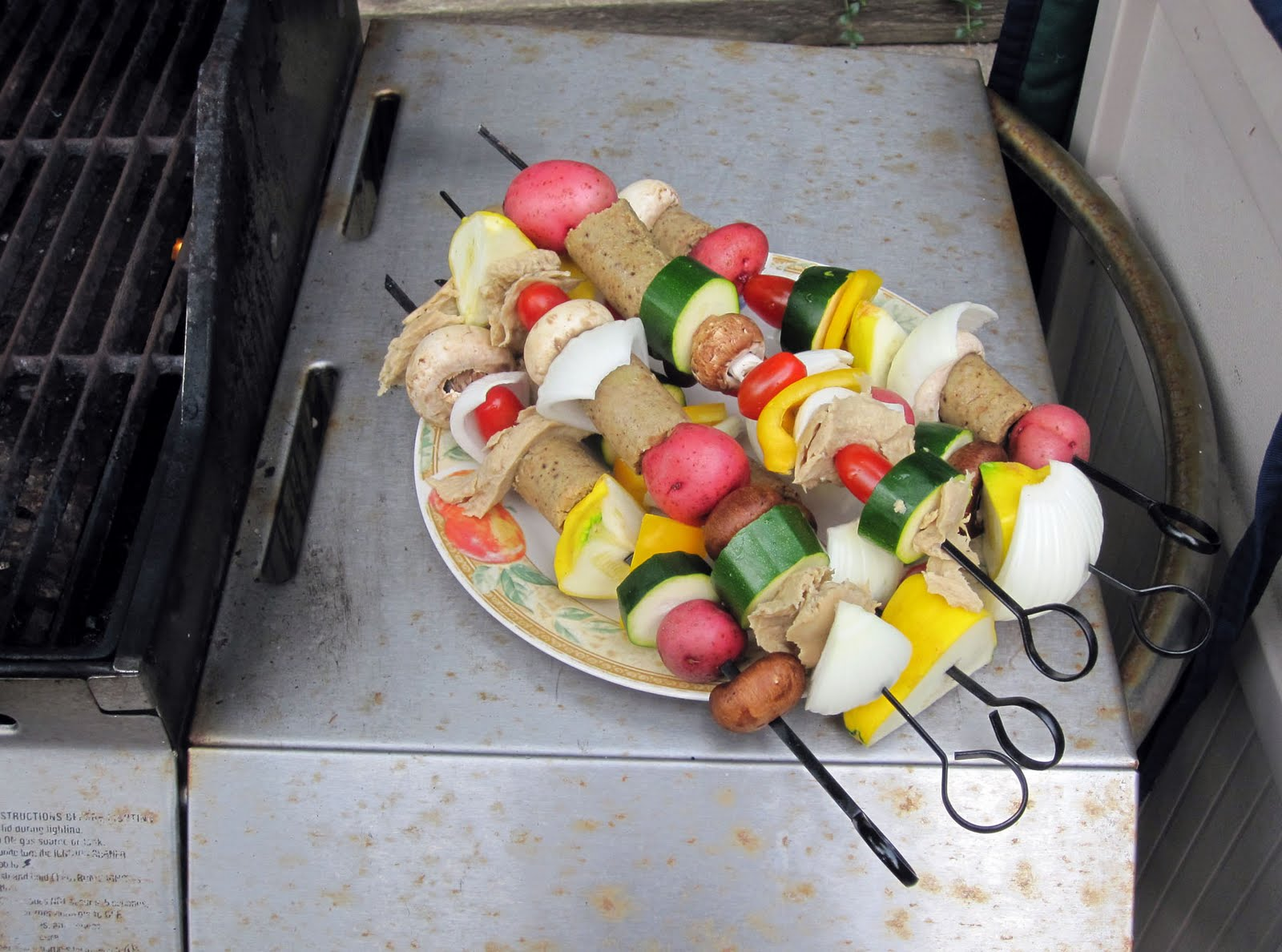 http://www.rubbercowgirl.com/2011/07/shish-kebab-boom-bah.html