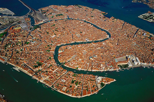 Vista aérea de la ciudad de Venecia en Italia