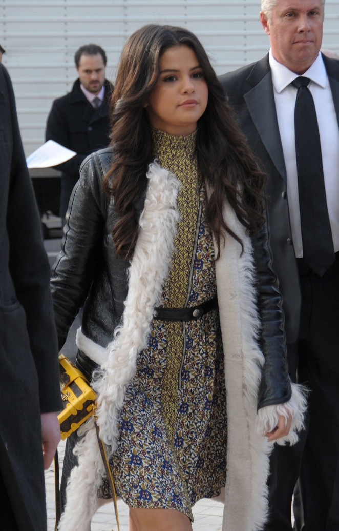 Selena Gomez arrives at the Louis Vuitton Fall/Winter 2015 Paris Fashion Week Show