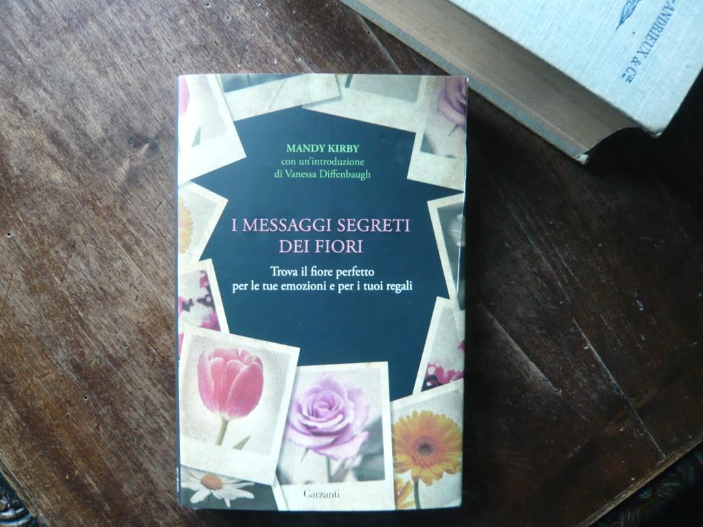 I messaggi segreti dei fiori di mandy kirby libro in - Il giardino dei fiori segreti ...