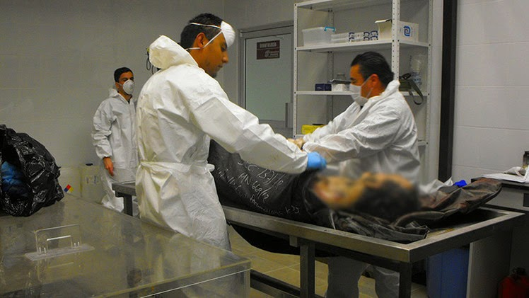 El médico mexicano que 'devuelve la vida' a los muertos revela su fórmula secreta