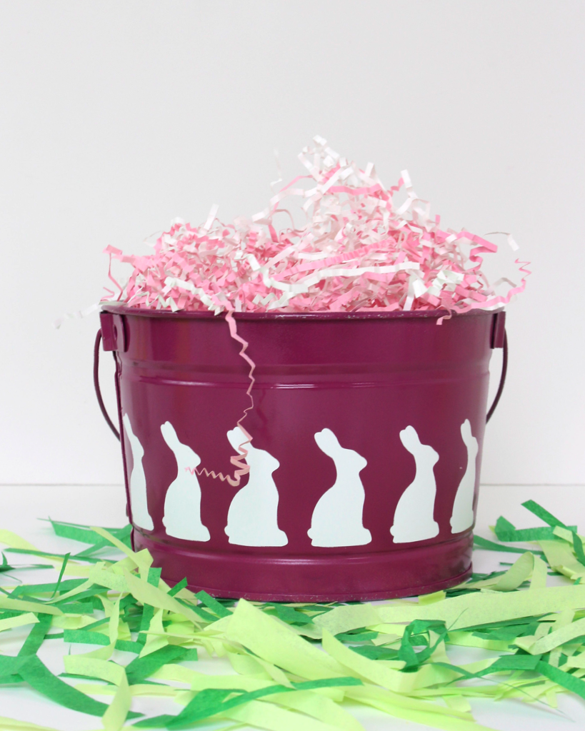 What a fun, easy, and inexpensive Easter bucket made with the Cricut Explore!