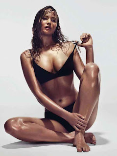 lawrence-jennifer-hot-pose-gq