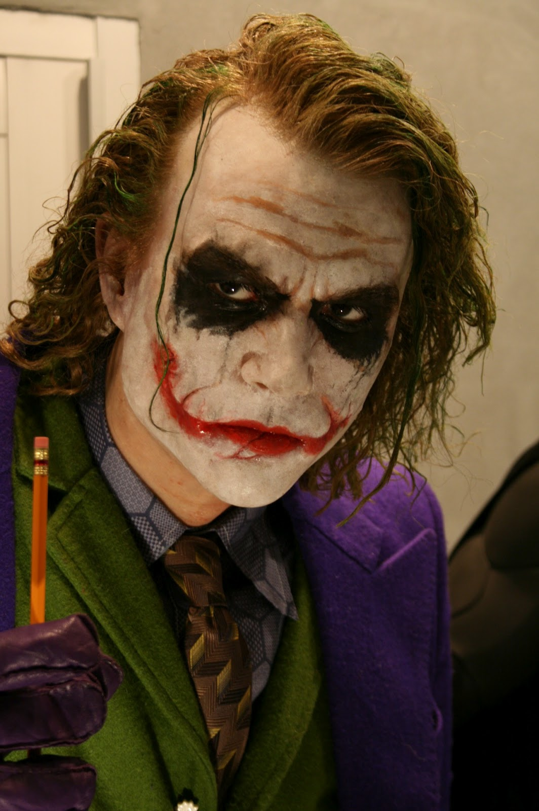 http://1.bp.blogspot.com/-os1KDpfD-H8/UDrerkyni-I/AAAAAAAAEdQ/j5ZEquVj_oo/s1600/HEATH_LEDGER_the_Joker_by_BobbyC1225.jpg