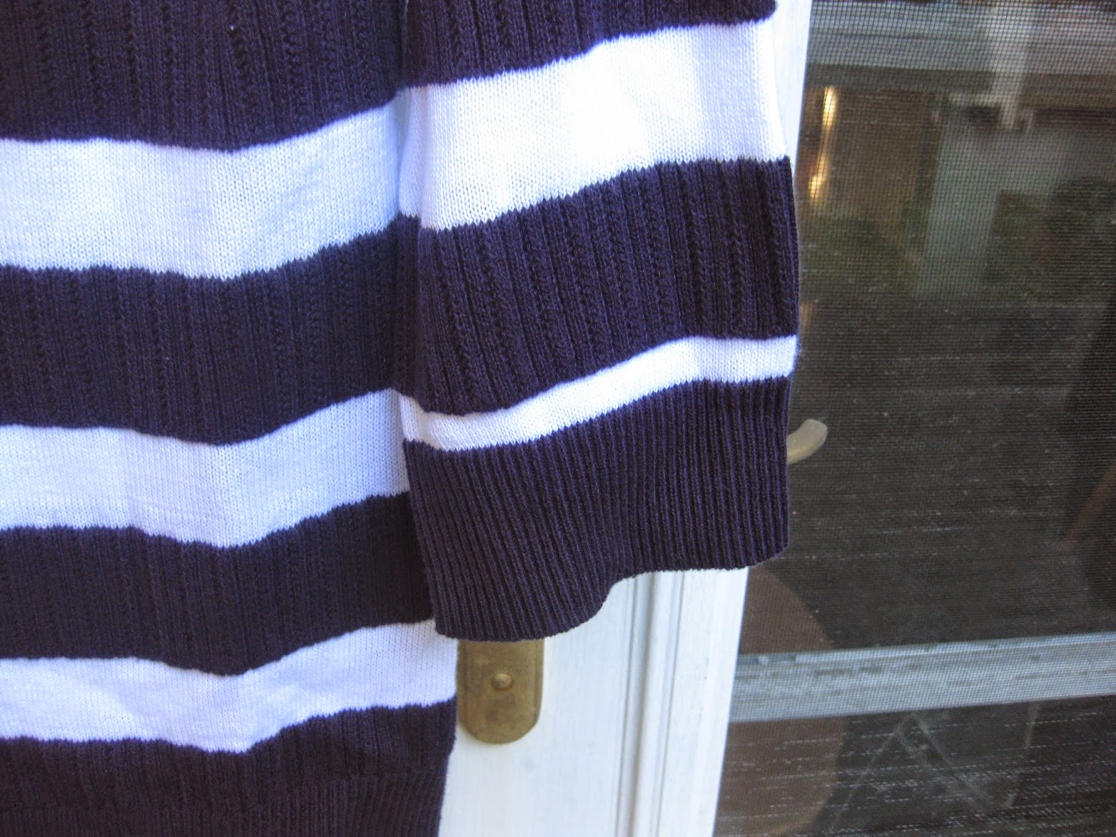Black and White Stripped Croft & Barrow Sweater in Size Small